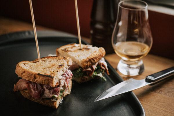 baltimora pitbeef panino ristorante PitBeef Milano e whisky in abbinamento
